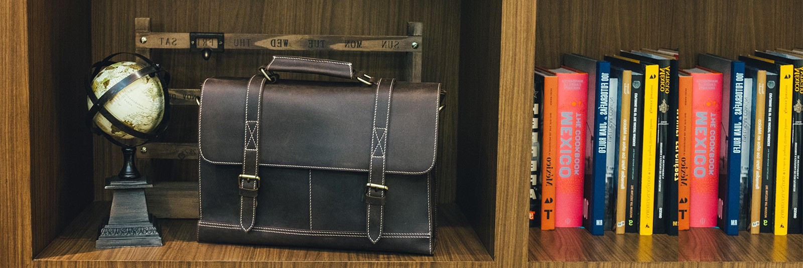 ARLIS. Umber Retro Messenger Bag